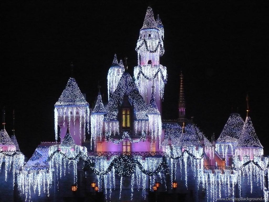 398105 disney world castle christmas