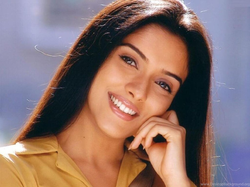 Asin Hd Wallpapers Asin Biography Bollywood Actress Photos: Asin Thottumkal Bollywood Actress Cute Smile Wallpapers