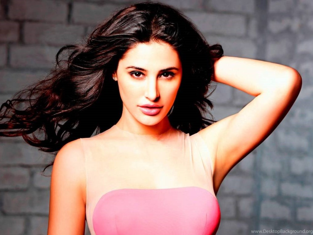 Actress Wallpapers For Desktop Of India And Bollywood