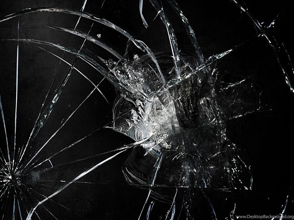 столица на экране ноутбука картинка разбитого стекла очень тяжело