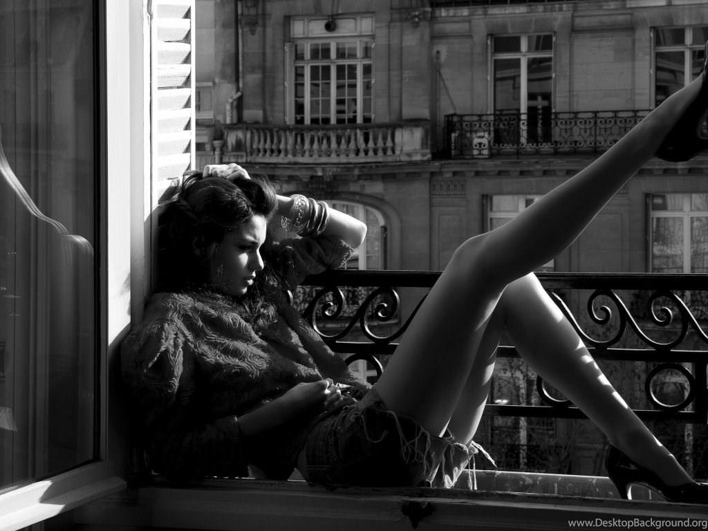 Female Model Girl Window Black White Hd Decorative Wallpapers