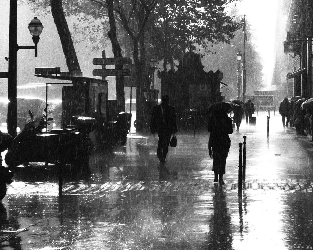 Black And White Night In Paris Desktop Background