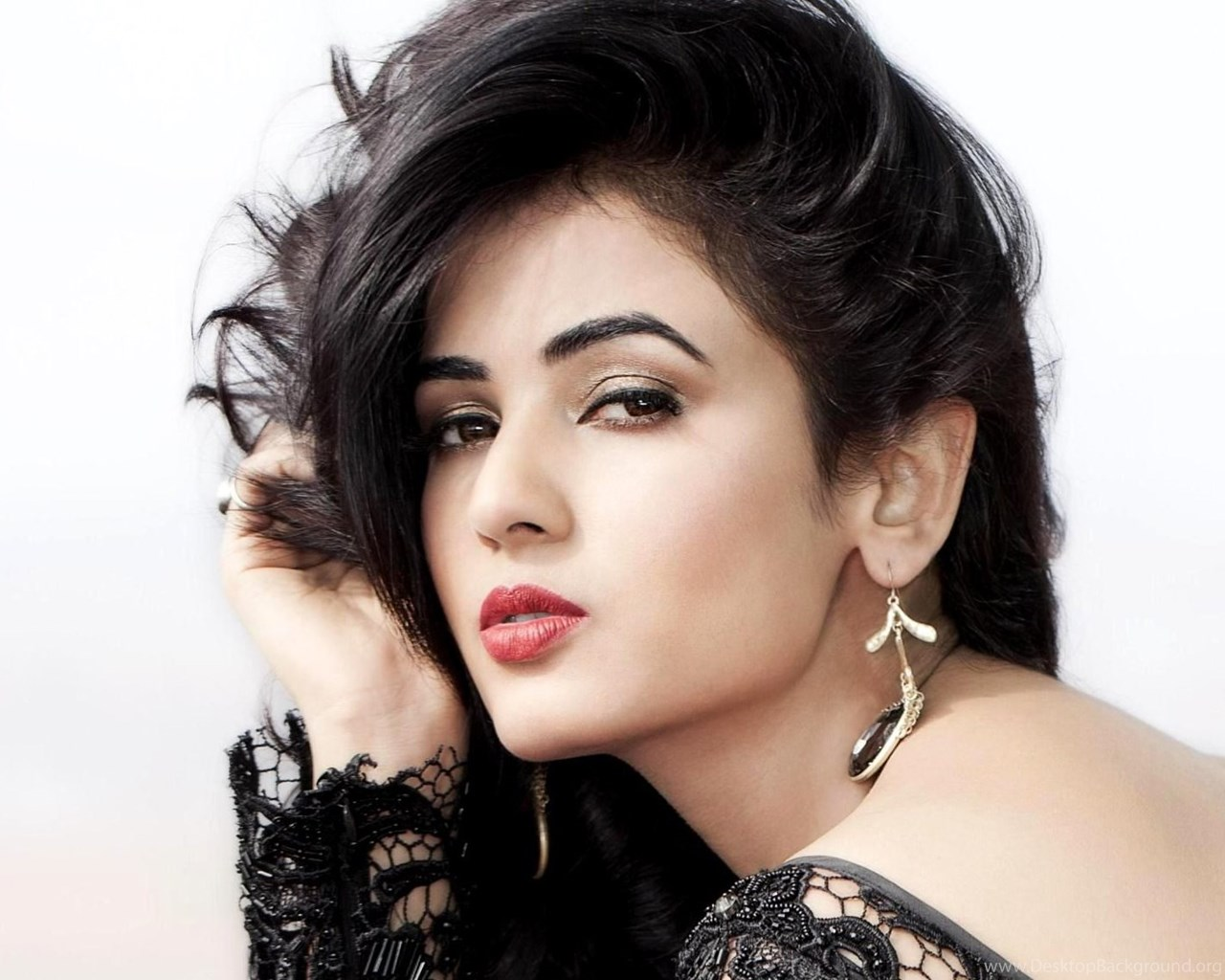 sonal chauhan hd wallpapers profile pics desktop background