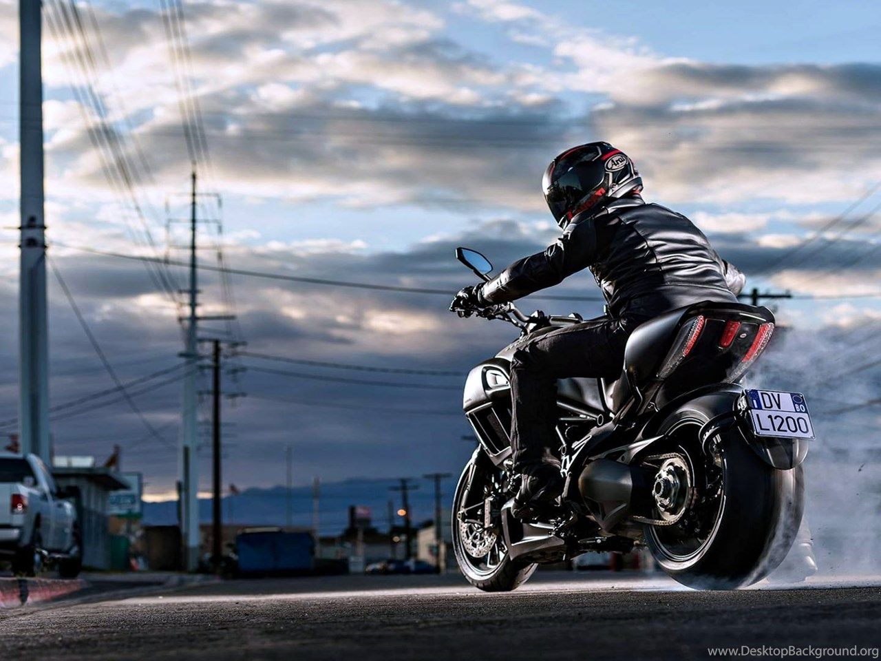 my motorcycle Before you buy or sell a used motorcycle, obtain a motorcycle history report to review accidents, damage, title history, and more motorcycle manual download the latest version of the motorcycle rider's manual to read about safety tips and the rules of the road.