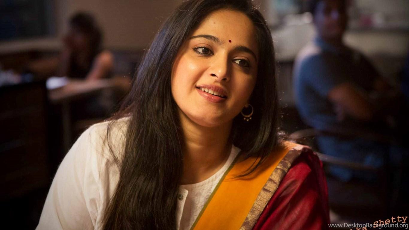 Anushka Shetty South Indian Actress Traditional Dress Wide
