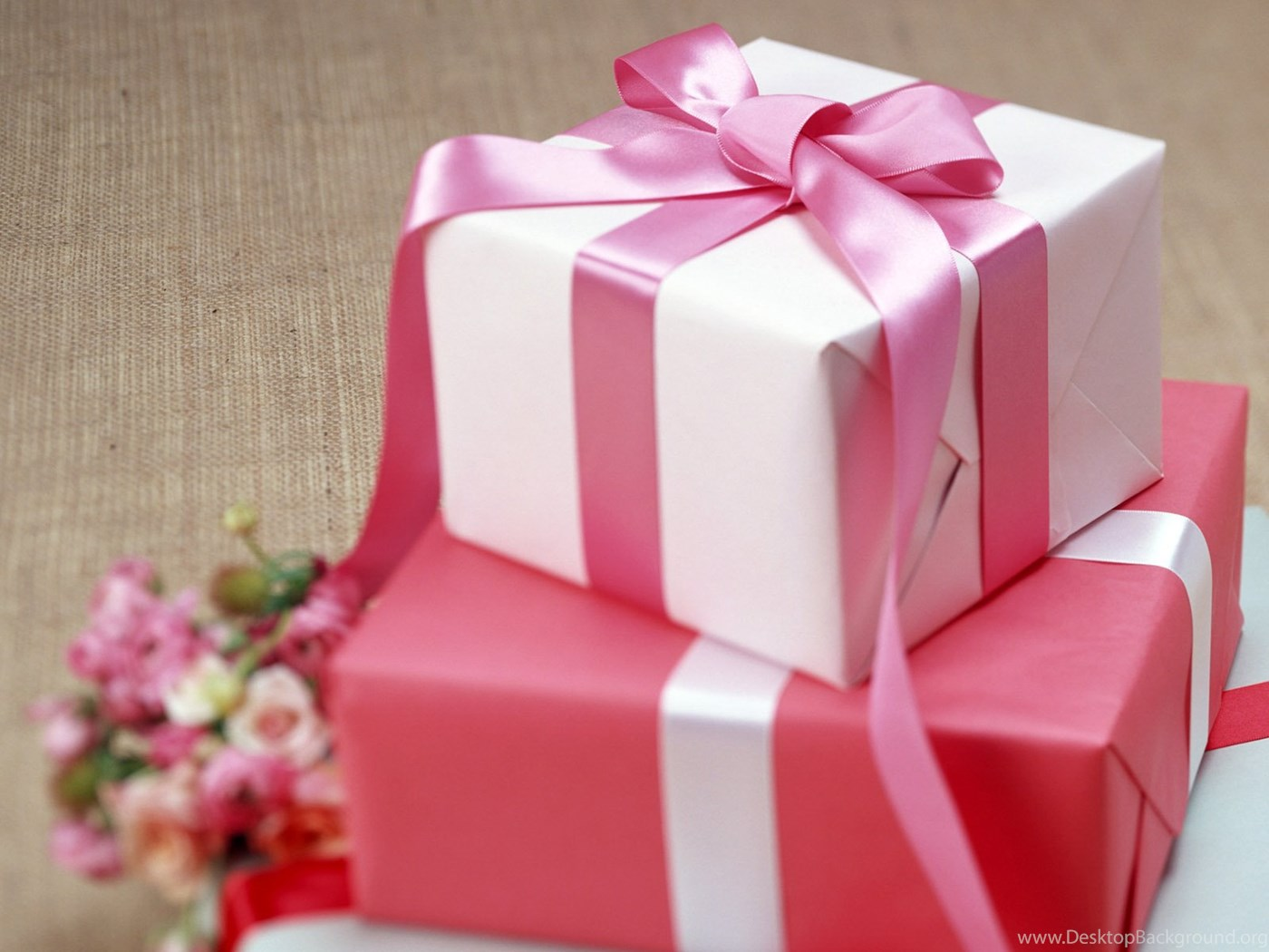 Подарки и сюрпризы фото