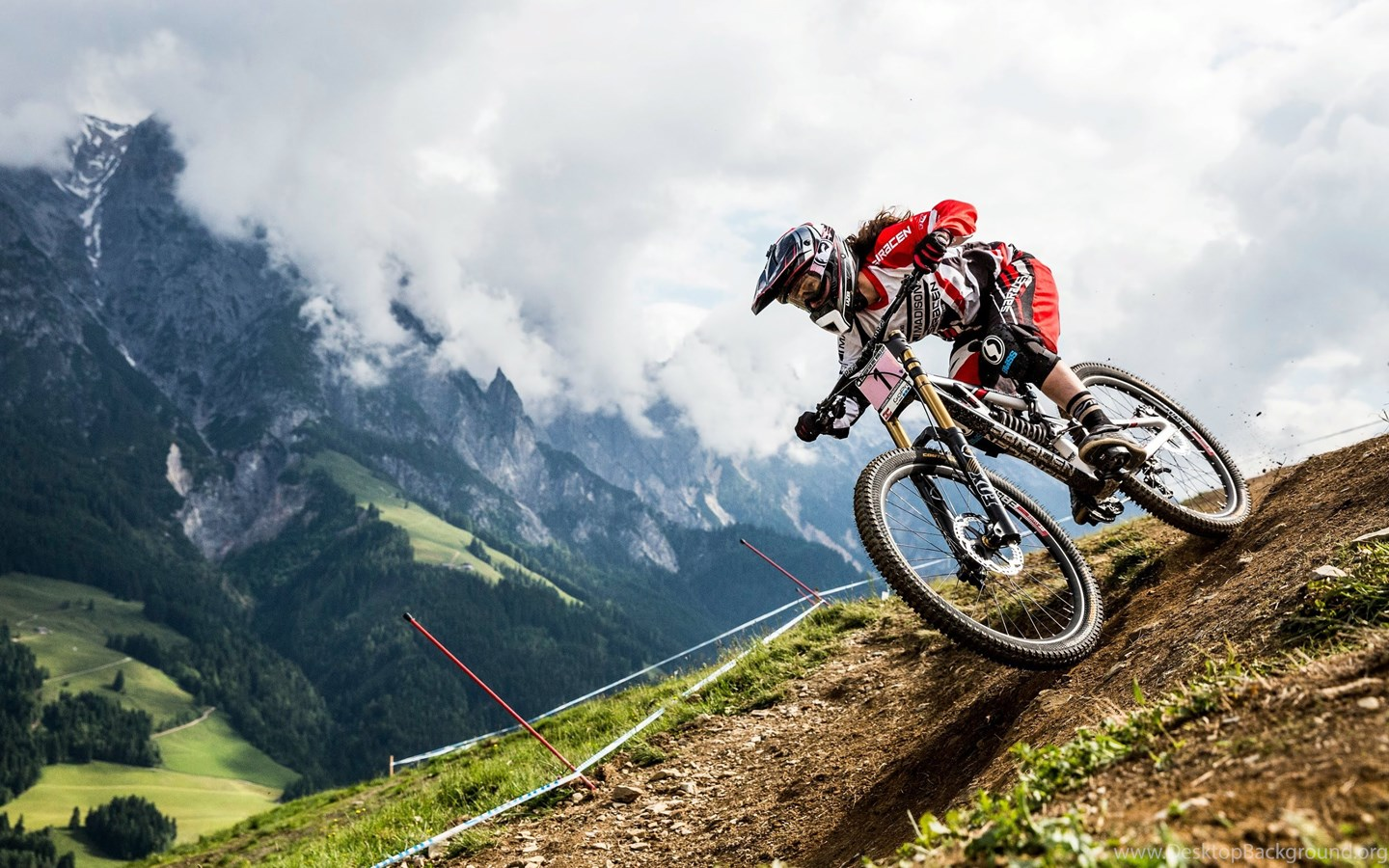 Mountain Road Bike Wallpapers: Mountain Bike Downhill Wallpapers HD. Free Desktop