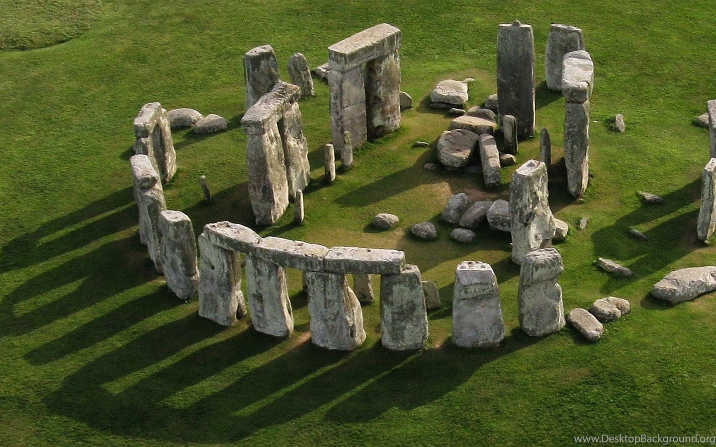 why is the stonehenge considered art and why