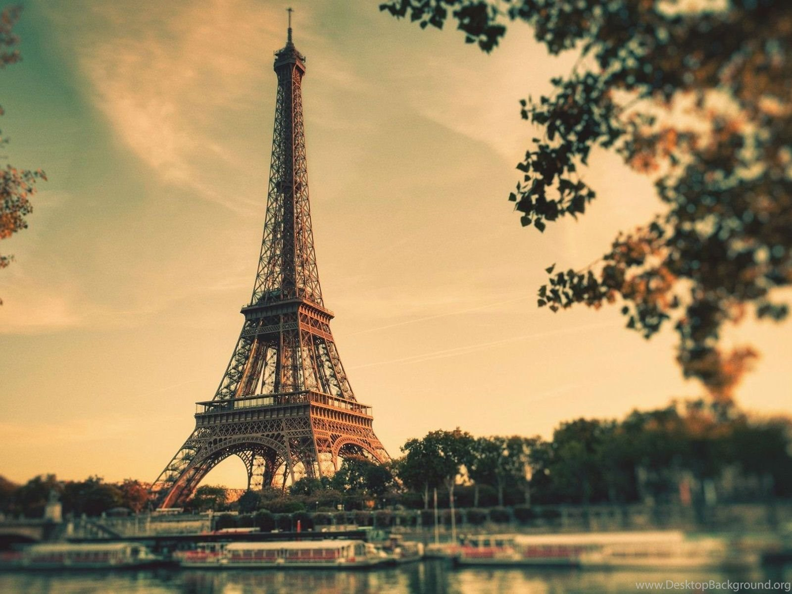 Beautiful eiffel tower in paris hd wallpapers desktop - Paris eiffel tower desktop wallpaper ...