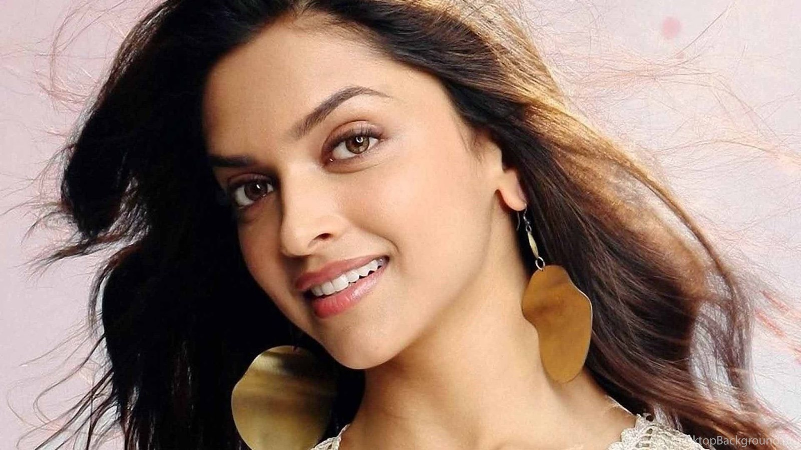 Beautiful Face Deepika Padukone Nice Hd Wallpapers Free Download