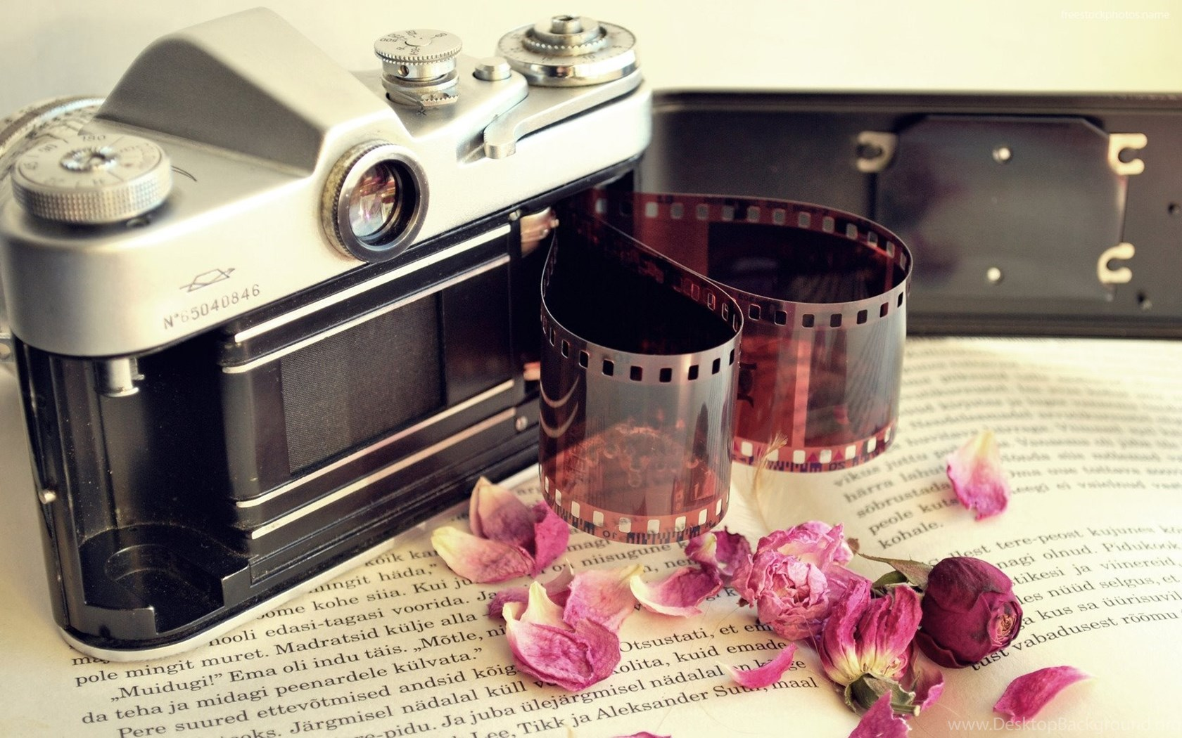 Download Stock Photos Of Download Vintage Camera Wallpaper
