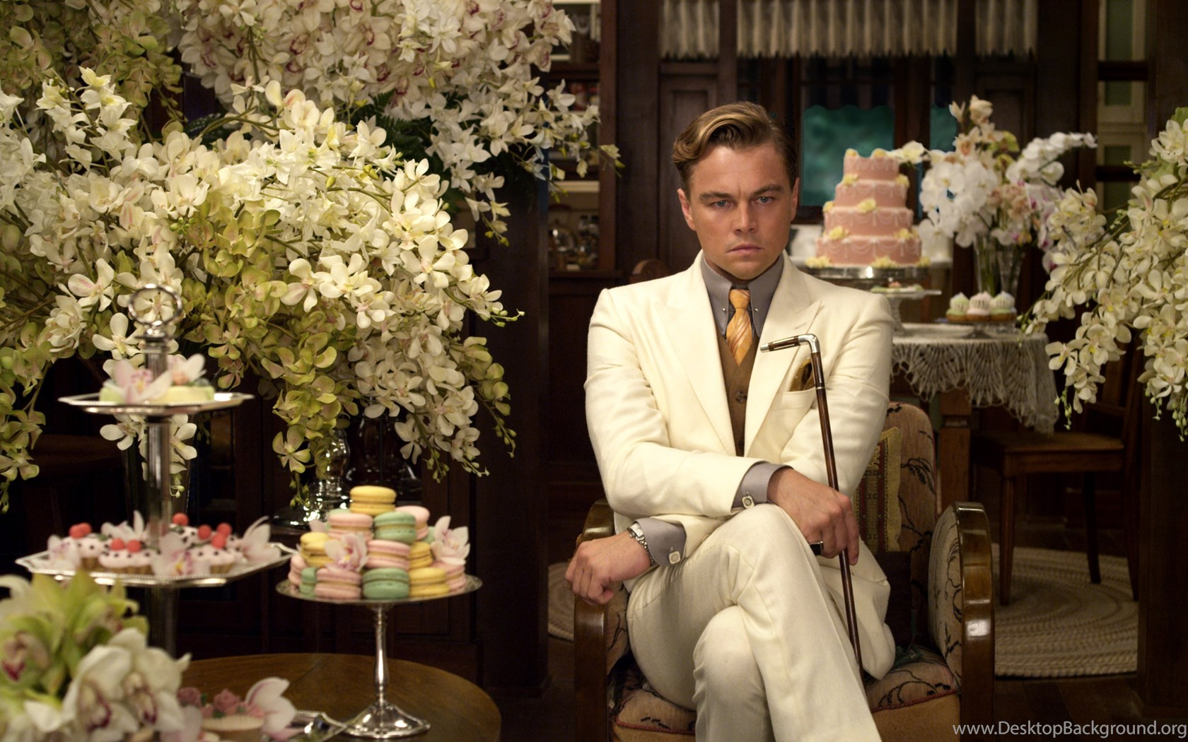 a comparison of famous figures of the roaring twenties harry houdini and jay gatsby