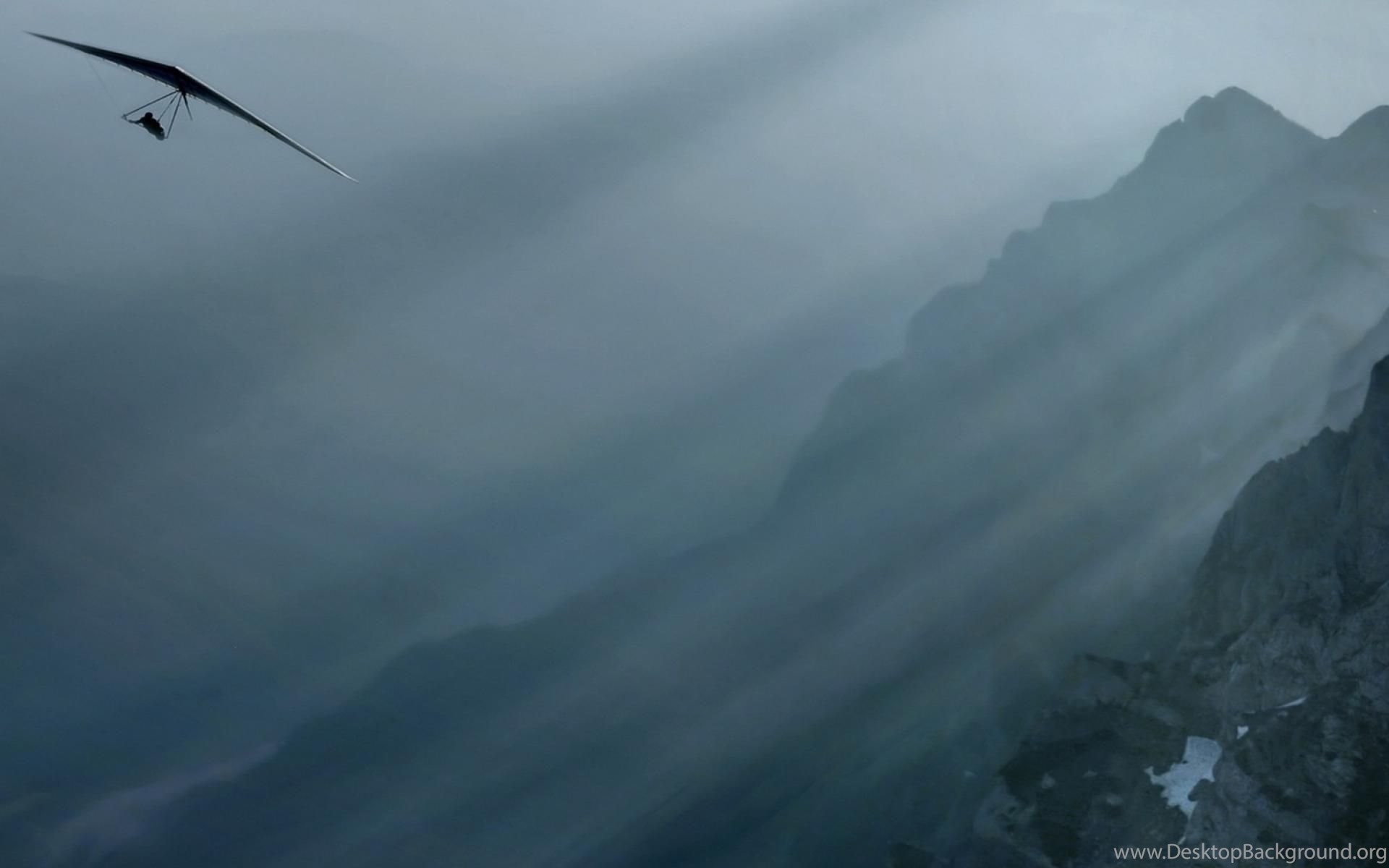 Download Wallpapers Hang Glider Over The Mountains (3200 X