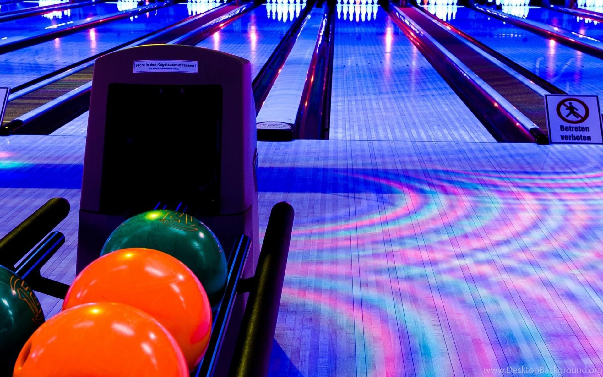 download wallpapers 3840x1200 club, bowling, balls dual wide hd