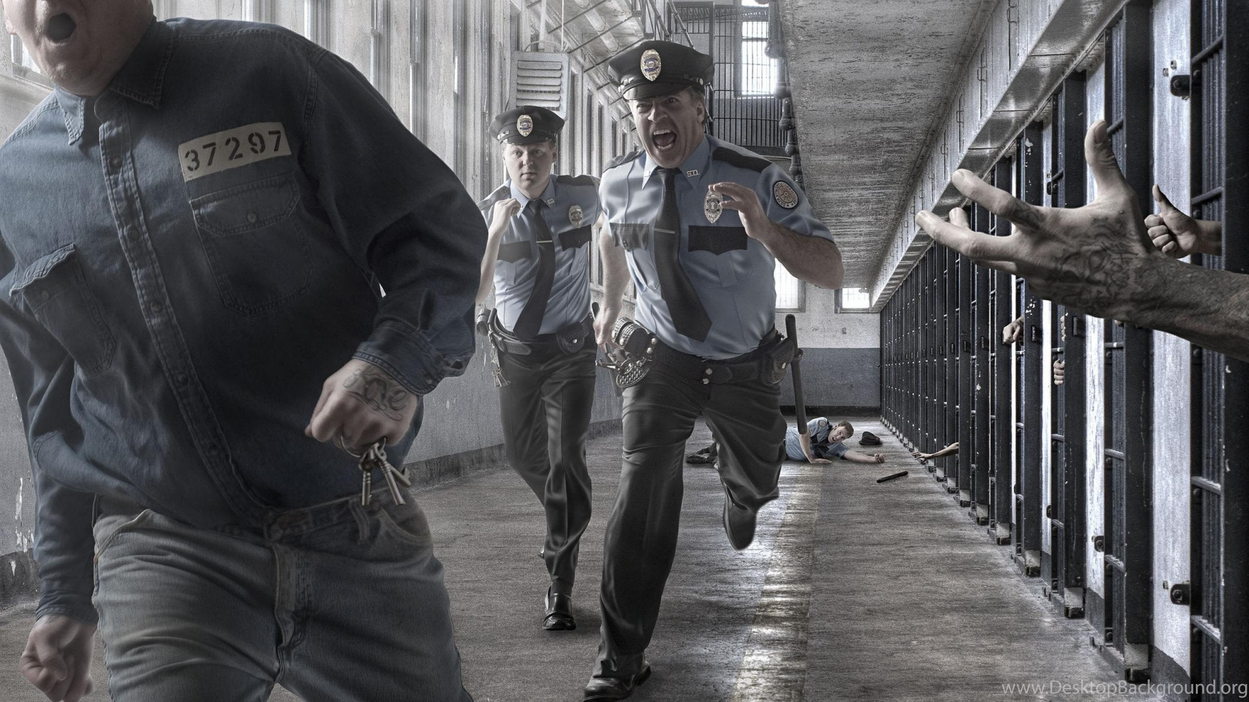 Download Wallpapers A Police Officer In Prison 2560 X 1600