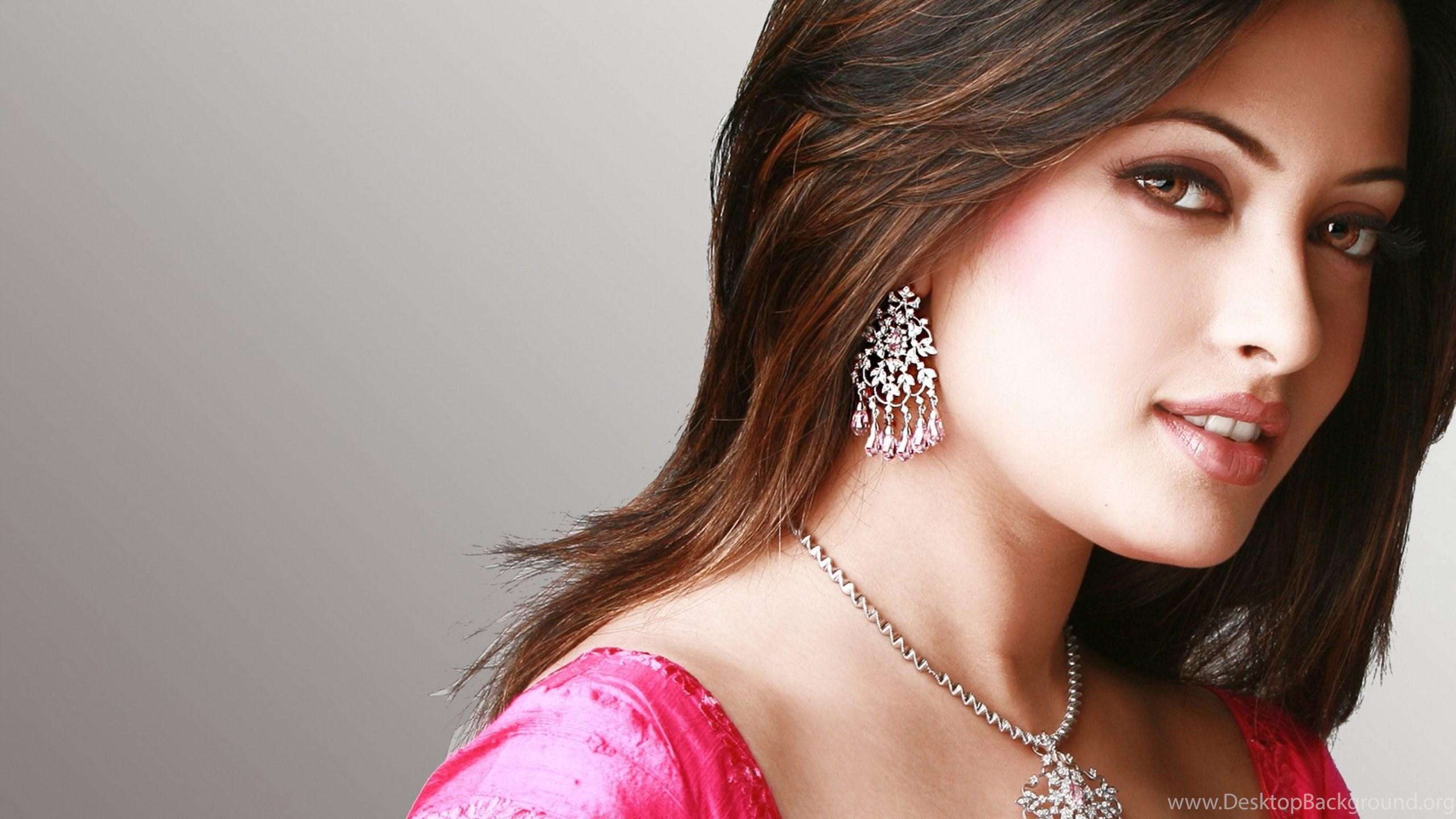 riya sen bollywood actress wallpapers for desktop & mobile desktop