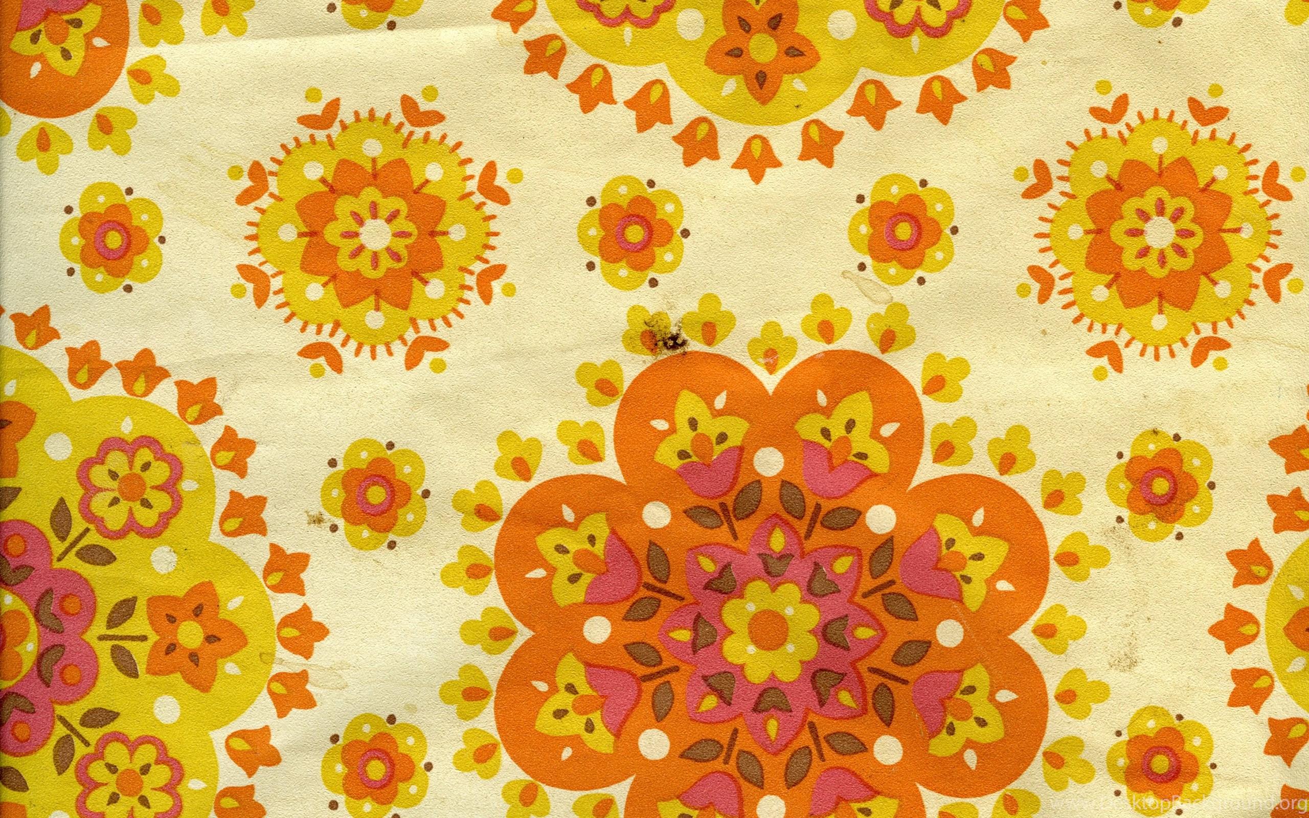 Wallpaper 60s 70s Yellow Orange Floral Circular Pattern Design On