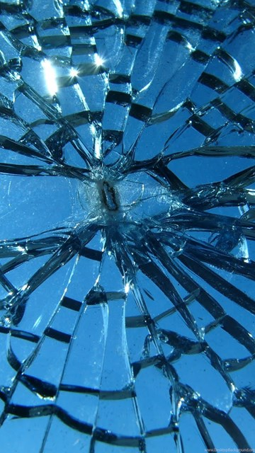 Realistic cracked and broken screen wallpapers 14 - Cracked screen wallpaper ipad mini ...