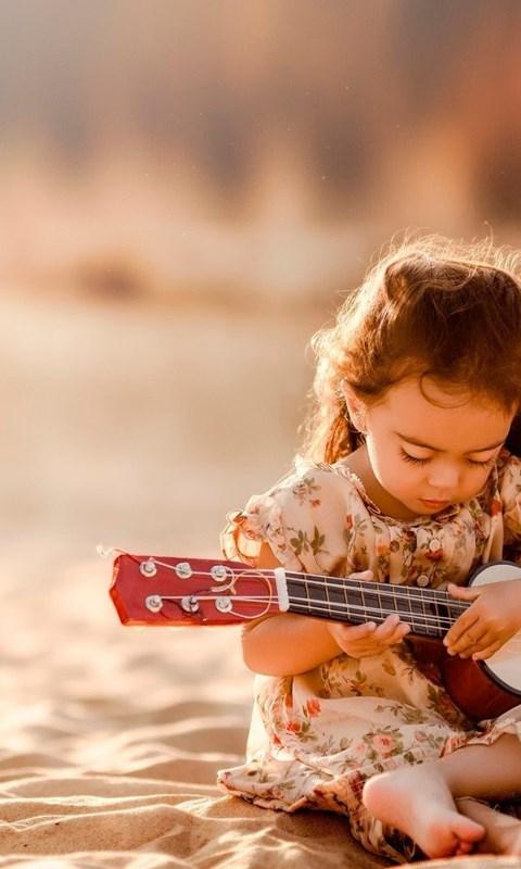 Cute little girl playing guitar wallpaper little girl hd wallpapers desktop background - Very cute girl wallpaper hd ...