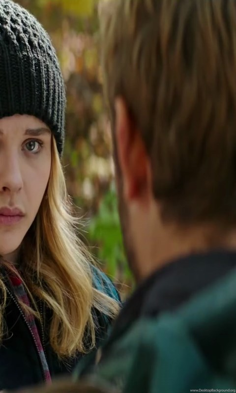 Star Cast Chloe Grace Moretz In The 5th Wave Upcoming