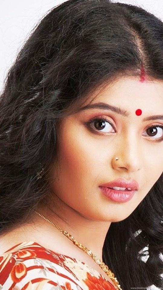 Ena Saha Hot Bengali Actress Desktop Background