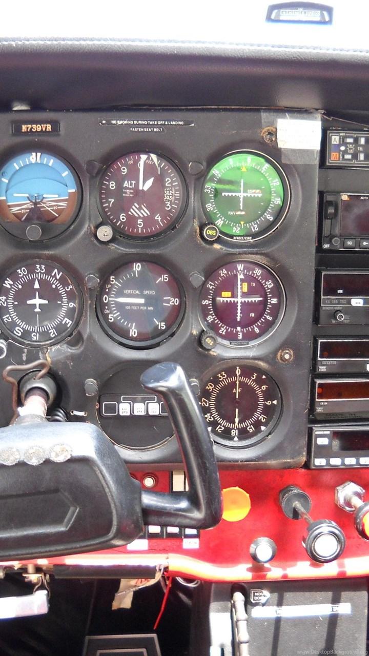 Cessna 172 Instrument Panel ( Desktop Background