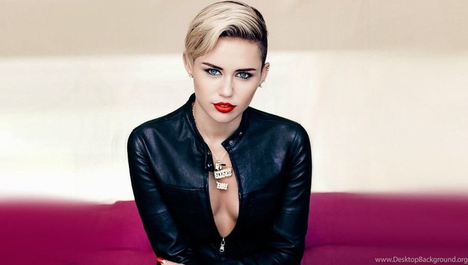 27 Hot Miley Cyrus Chrome Themes Desktop Wallpapers & More