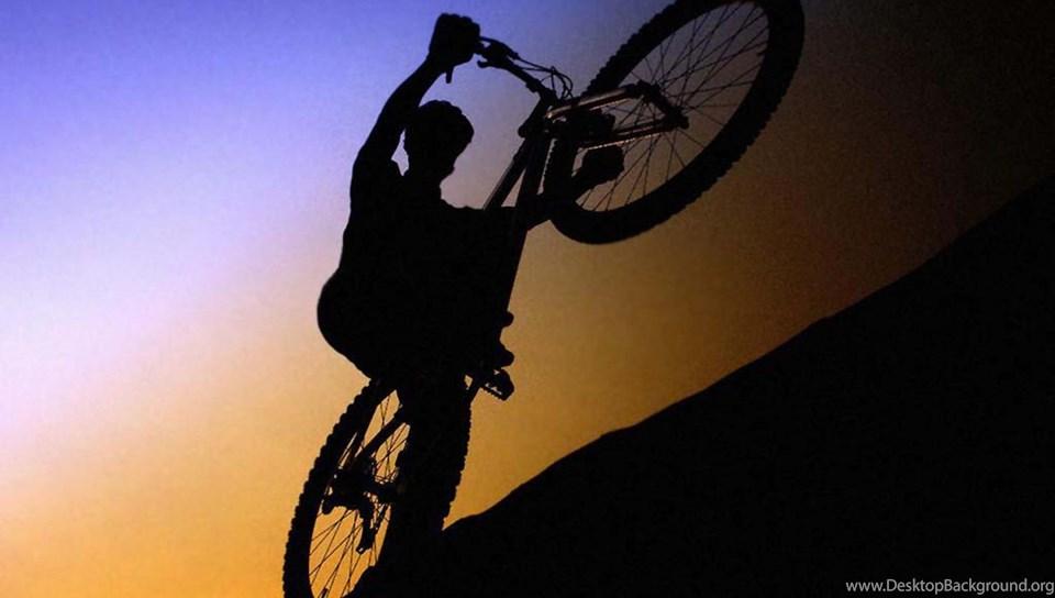 спорт велосипед споротсмен мужчина  № 1633637  скачать