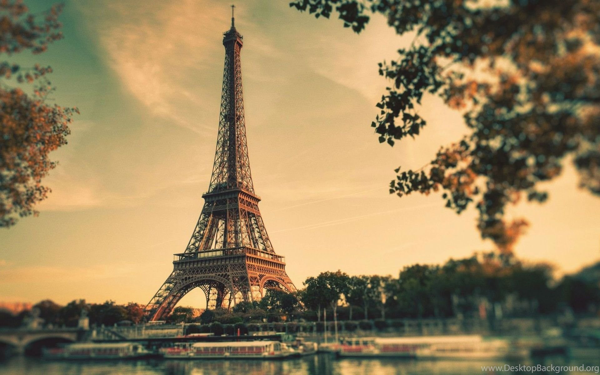Beautiful Eiffel Tower In Paris Hd Wallpapers Desktop Background