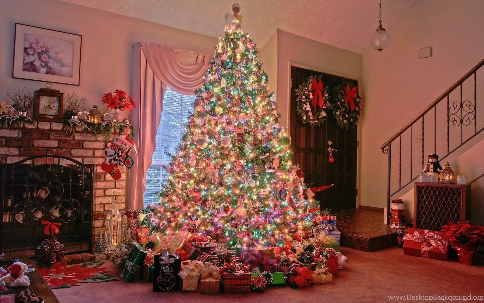download 1680x1050 christmas tree near chimney wallpapers desktop