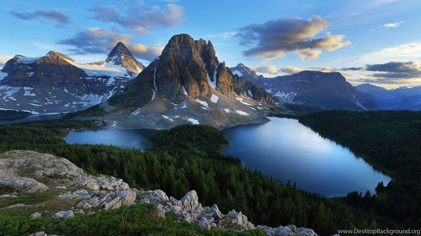 Beautiful World Wallpaper: Mountain Wallpapers Hd 1366x768