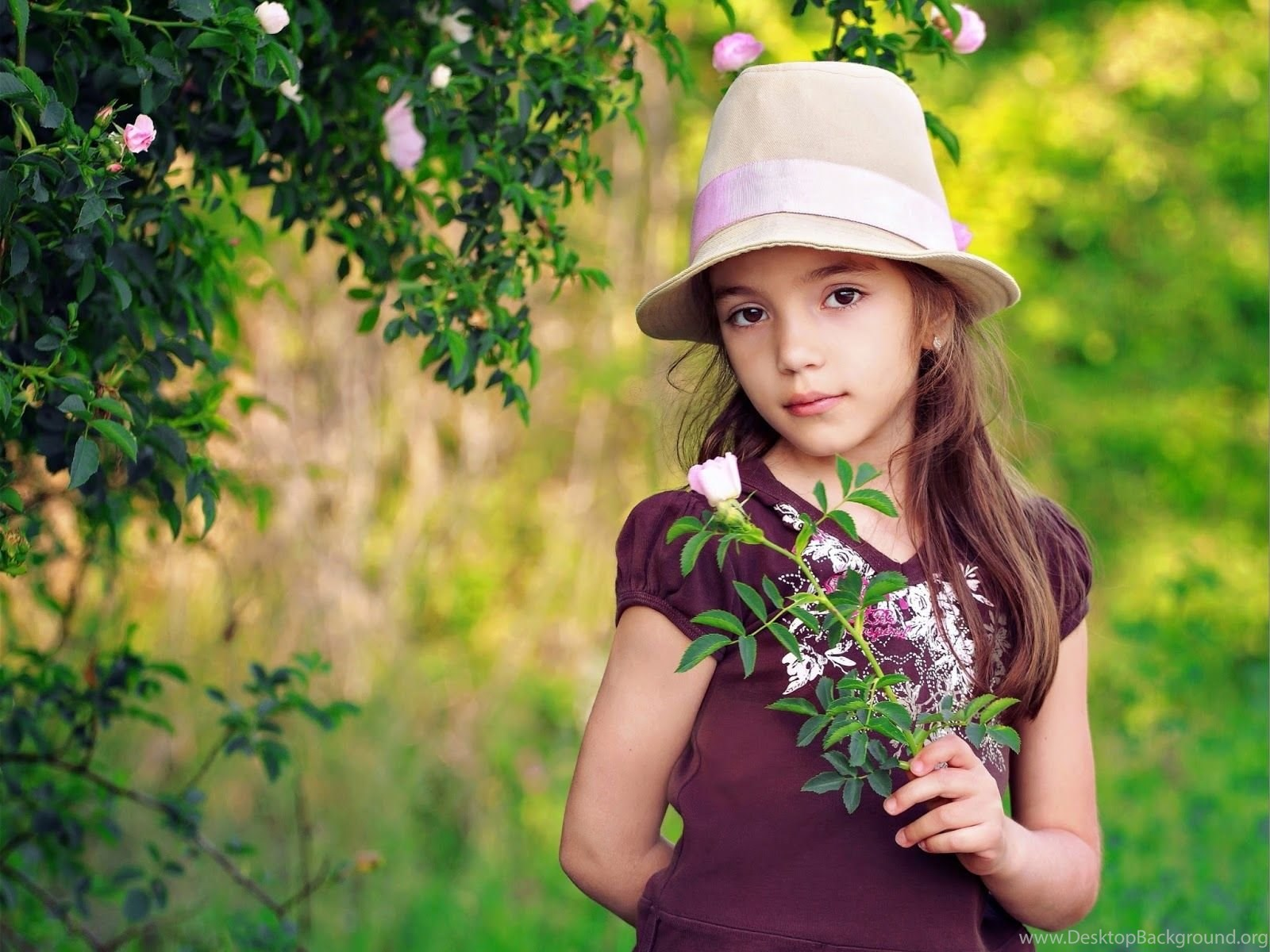 Mphoto Cover Cute Girl Babies Wallpapers Very Cute With Quotes