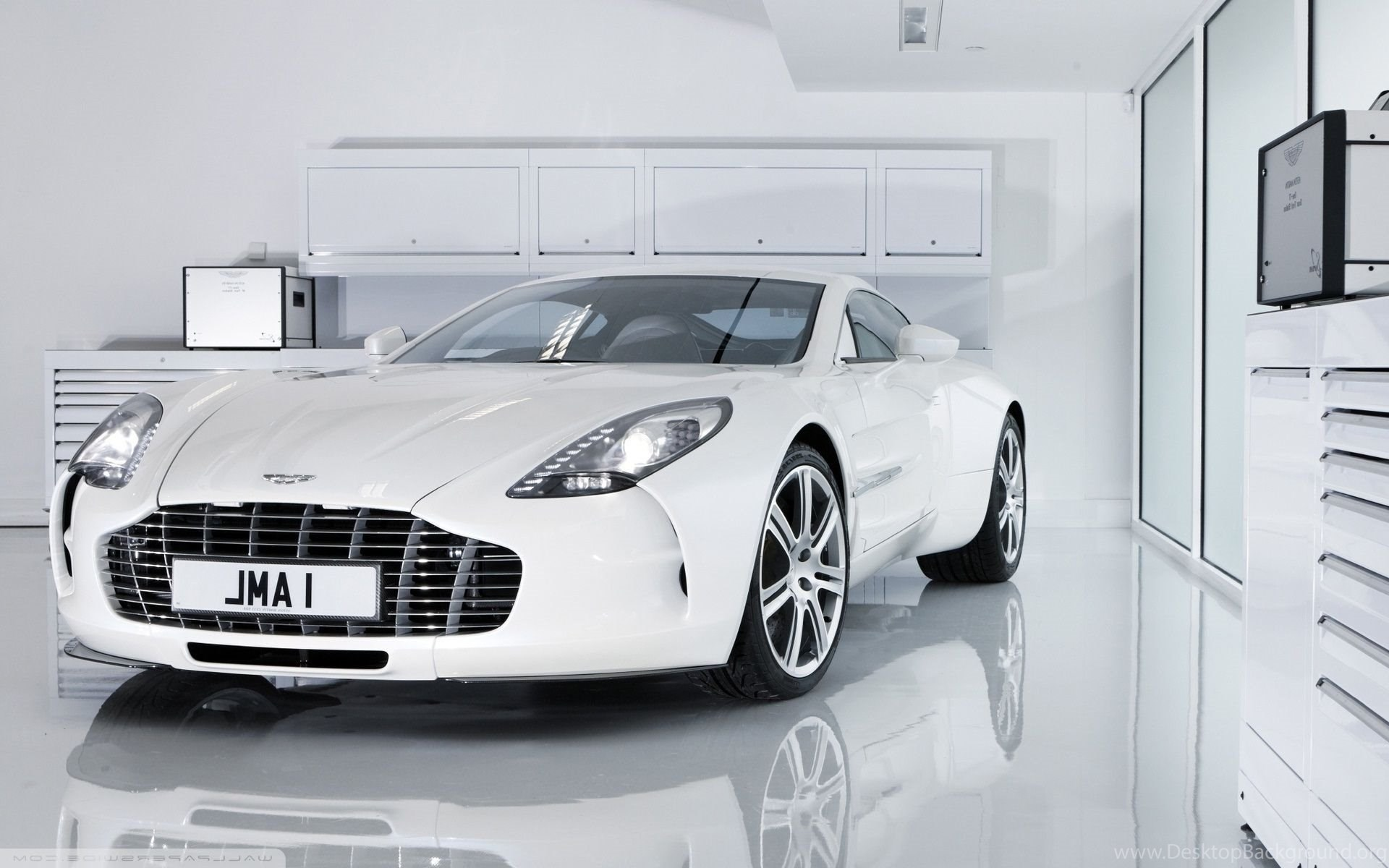 Aston Martin One 77 Wallpapers White Image Desktop Background