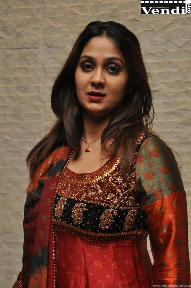 Ishika Singh Telugu Heroine Hot Pics Httpvenditeraingallery