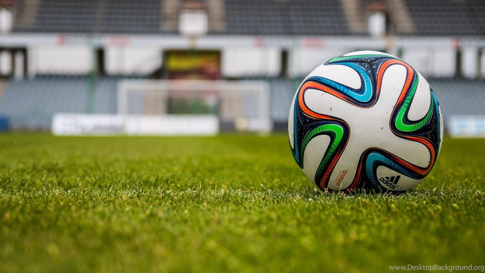 Football Or Soccer Balls Hd Wallpapers 4k Wallpapers Desktop Background