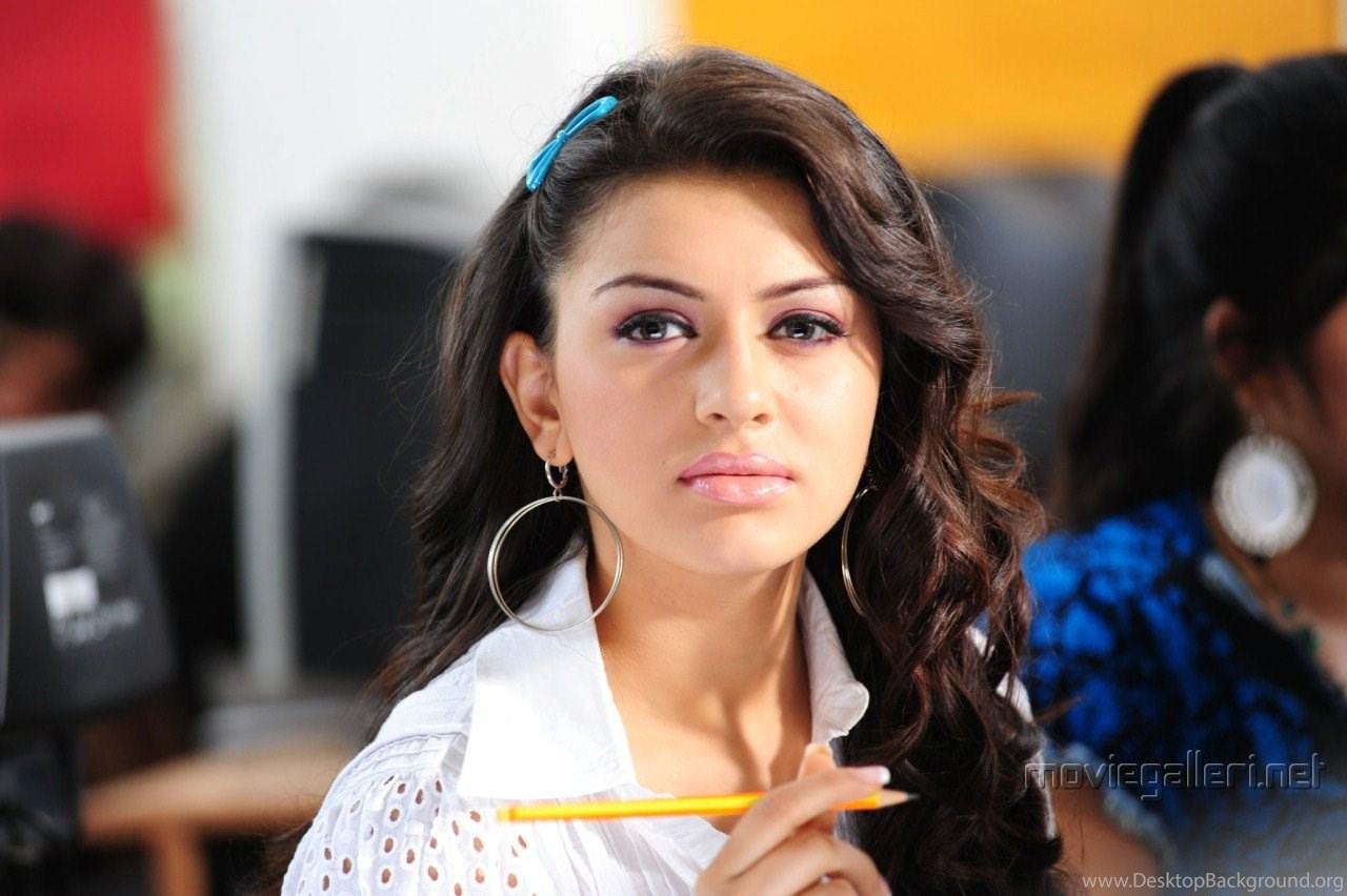 hot photos > haniska wallpapers > a hansika motwani wallpaper