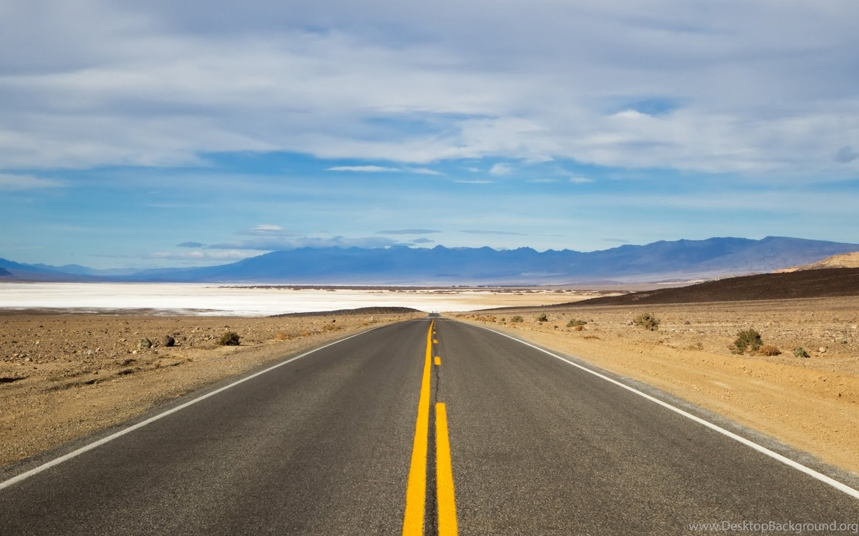 Rush Hour In Death Valley 1680x1050 Wallpapers Desktop Background Images, Photos, Reviews