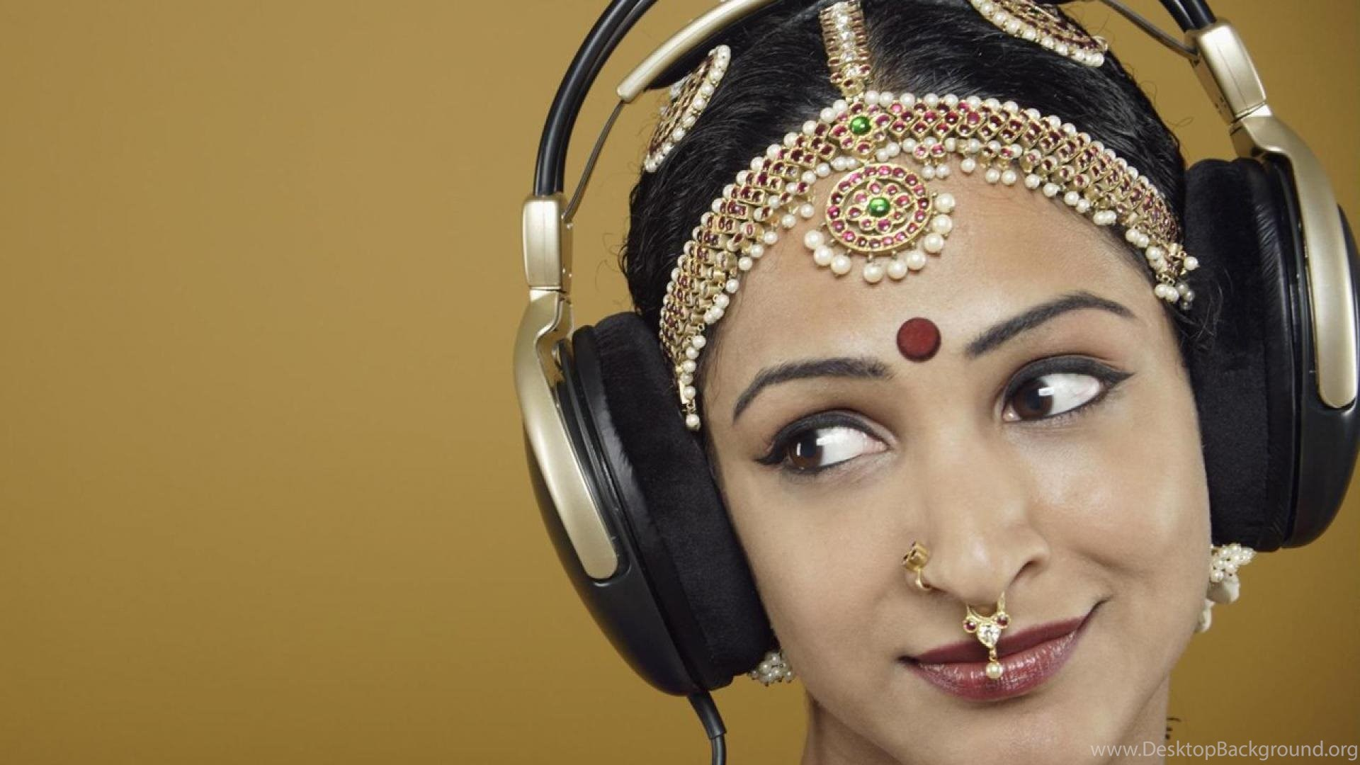 Indian Woman Headphones Girl Music Hd Wallpapers Wallpapers