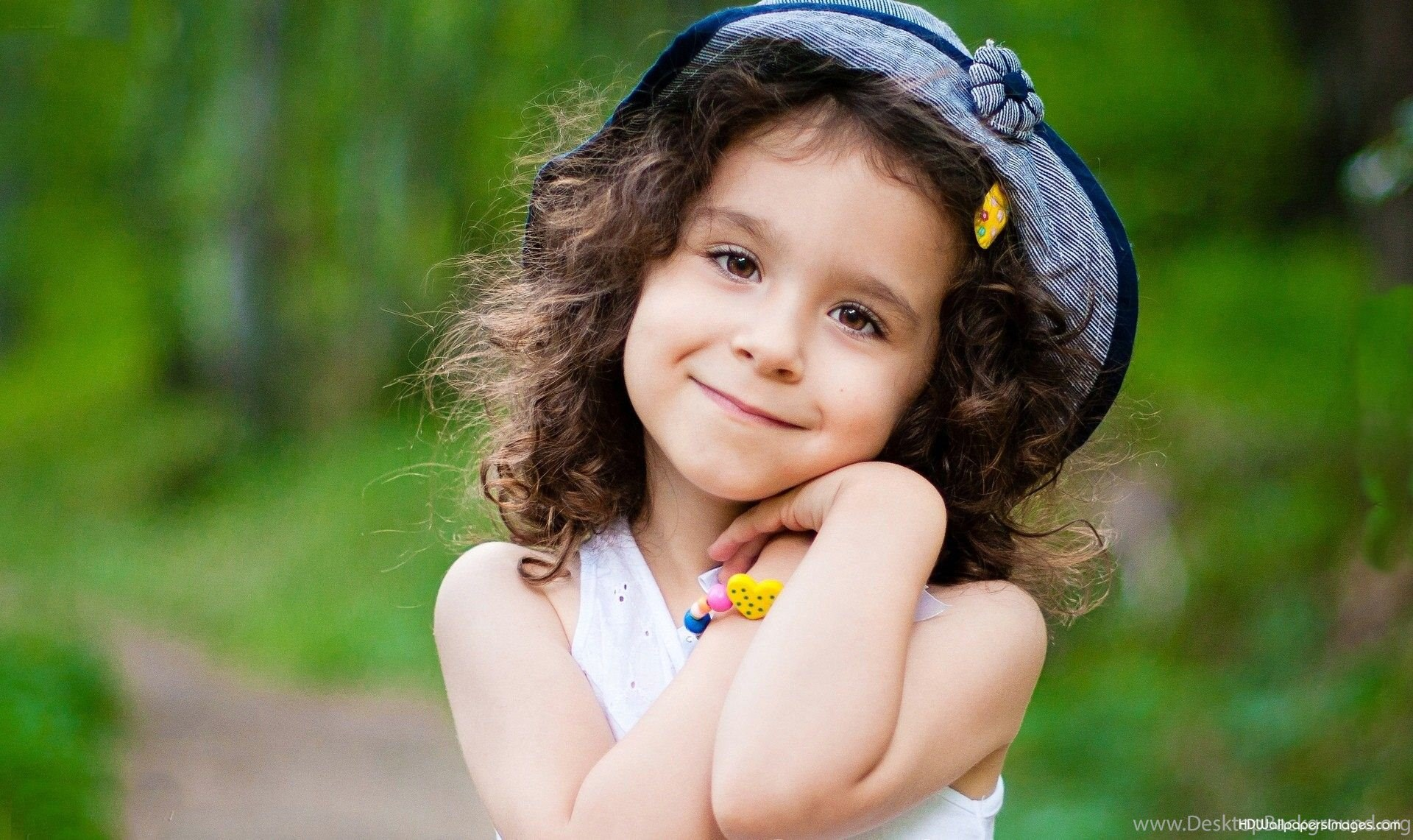 Cute Baby Girl Wallpapers For Mobile The Art Mad ...